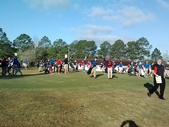 Blackshear, จอร์เจีย: South Georgia Middle School Golf Tournment...Lots of kids playing golf
