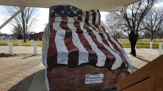 Onawa, IA: North and top view of the Freedom Rock