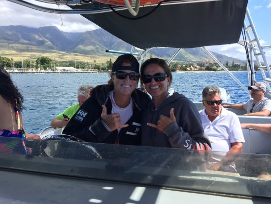 Каанапали, Гавайи: Captains Bailey & Lacey were knowledgeable & fun! The boat was small enough to make tight turns