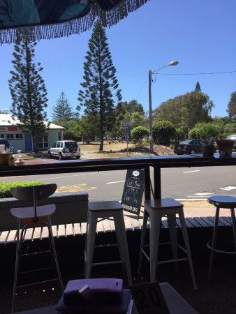 Mudjimba, Australia: outdoor seats and view