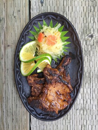 Colonia, Ηνωμένες Πολιτείες της Μικρονησίας:  Flavorful food at the restaurant at Oceania Hotel