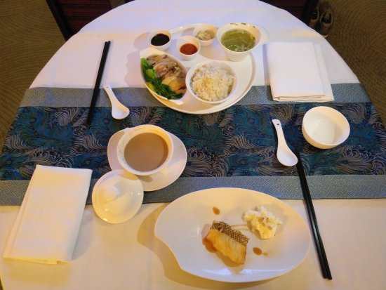 JW Marriott Hotel Shanghai at Tomorrow Square: room service