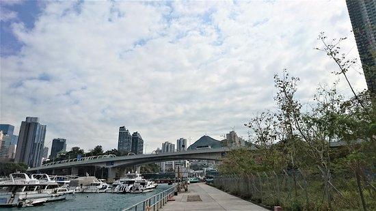 Ap Lei Chau Bridge : 鴨利洲大橋