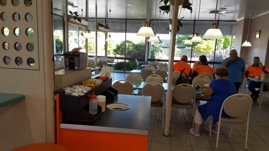 Tailem Bend, Australien: COOLABAH seated eating area
