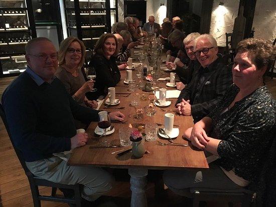 Oostvoorne, Niederlande: Een foto van ons clubje na een geslaagd diner bij Cuisine D'Amis.