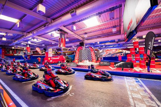 Carlos Sainz Center Kart & Business