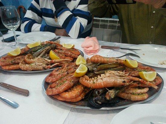 Parrilla da de marisco y carne el el faro picture of - Restaurante el faro madrid ...