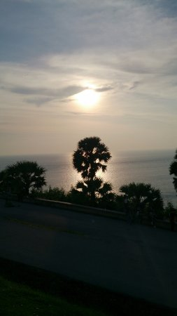 Phuket, Thaiföld: Sunset at Laem Phromthep