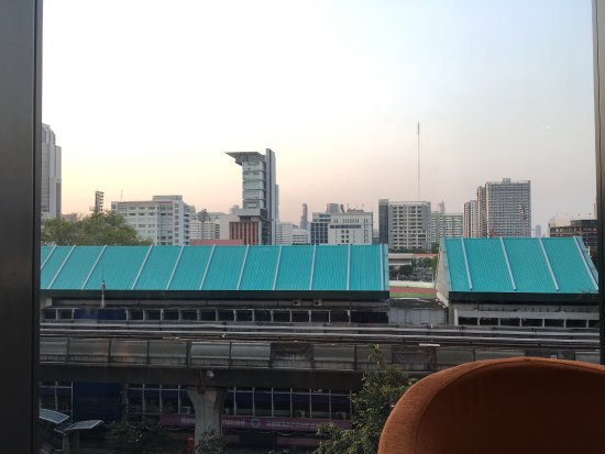 Holiday Inn Express Bangkok Siam: View from 8f deluxe