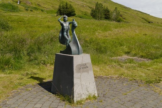 Budardalur, Iceland: Statue