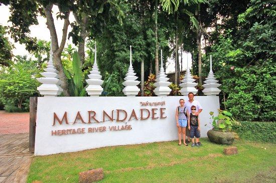 Saraphi, Thailand: entrée de l'hôtel