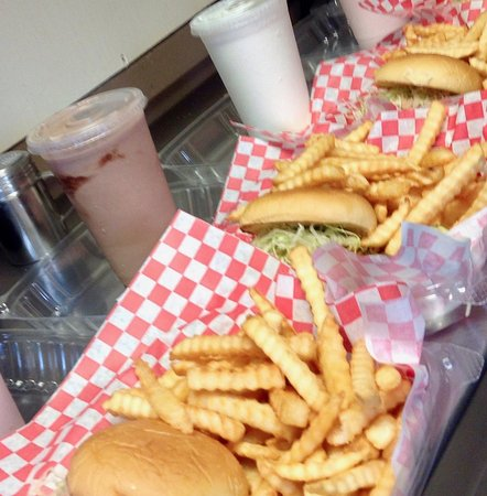 Hopewell Junction, NY: Burger fries shakes