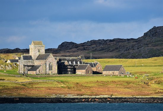 Bunessan, UK: Iona Abbey is only a few miles away