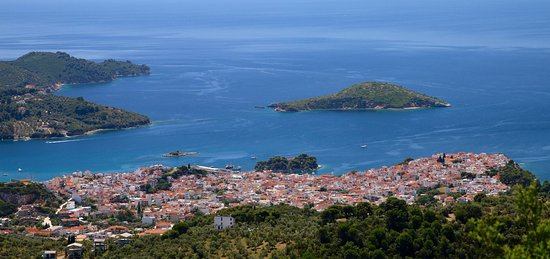 Bourtzi Boutique Hotel: A few views of the idyllic Skiathos