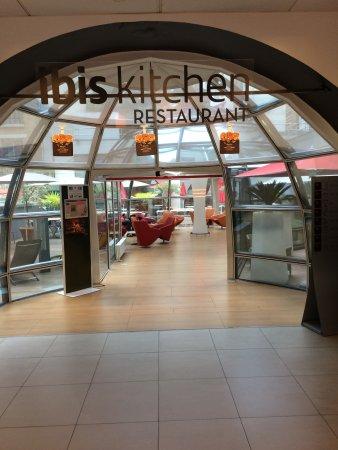 Ibis Tour Eiffel Cambronne: Indgang til restaurant