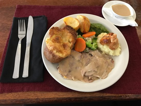 George & Dragon: Sunday roast lunch
