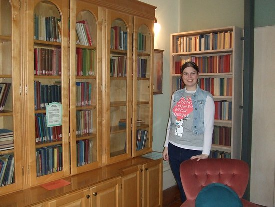 Temple Lodge Club: In the library