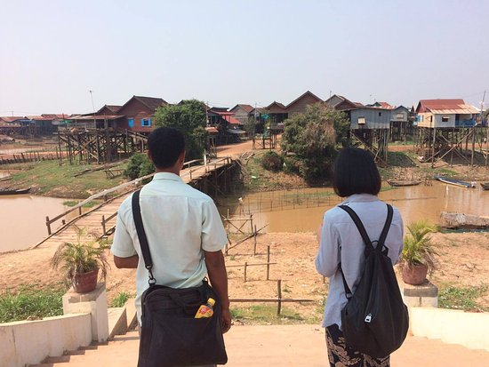 Siem Reap Rooms Guesthouse: Long the tour guide in Kompong Khleang