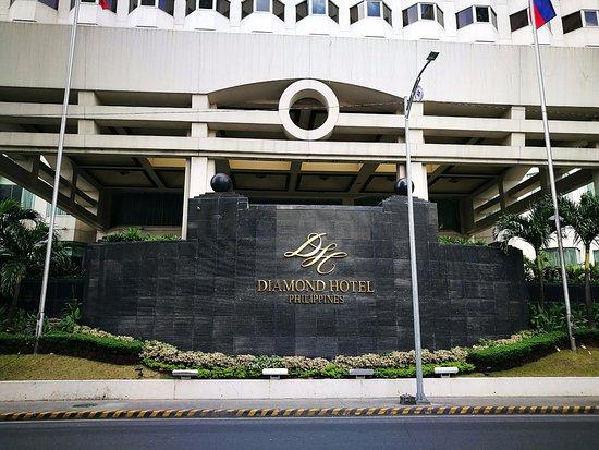 Diamond Hotel Philippines: outside the main entrance