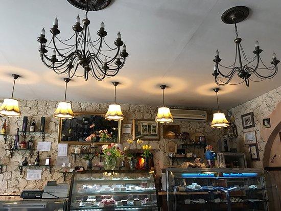 Cofetarie La Vatra Ardealului: photo0.jpg