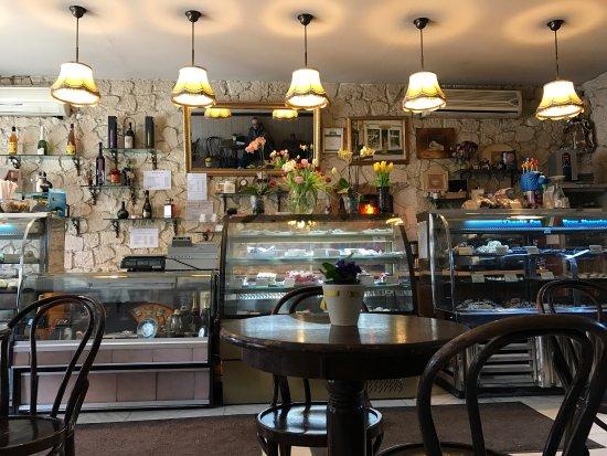 Cofetarie La Vatra Ardealului: photo1.jpg