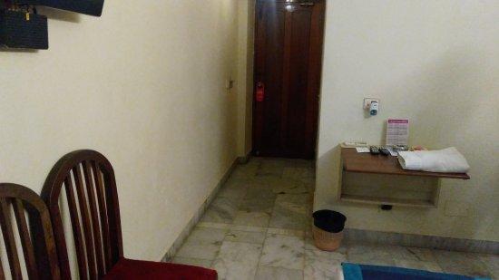 Nayagara Hotel: IMG_20170201_201359_large.jpg