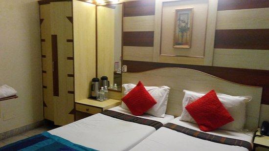Nayagara Hotel: IMG_20170201_201446_large.jpg