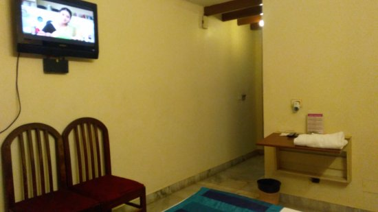 Nayagara Hotel: IMG_20170201_201340_large.jpg