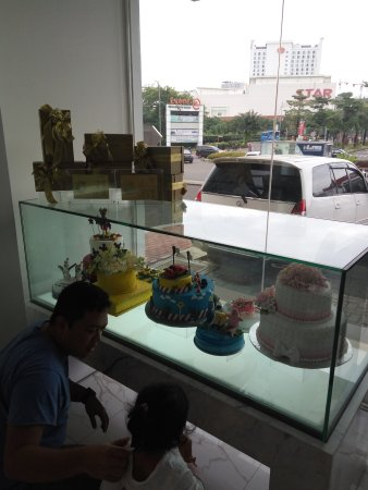 The Harvest Cakes Summarecon: IMG_20170211_155124_large.jpg