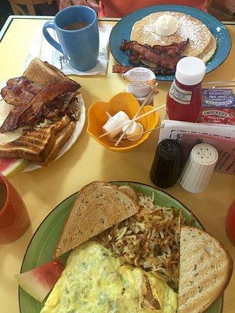 Malia's Cafe : photo0.jpg