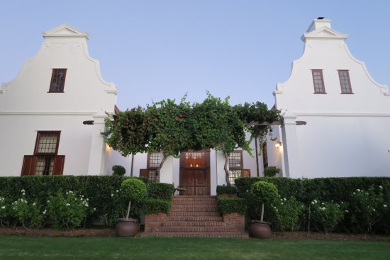 Vrede en Lust Winery: The manor house at sunrise