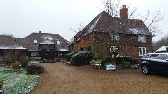 Pluckley, UK: Elvey Farm on a snowy February weekend