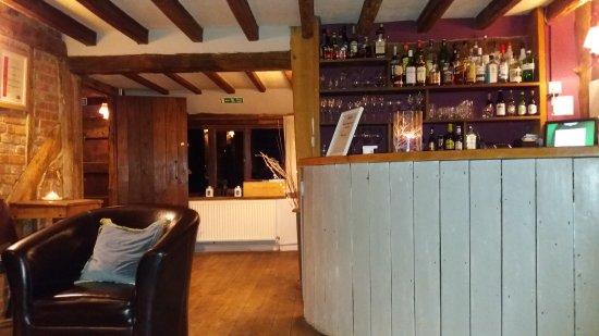 Pluckley, UK: Bar at Elvey Farm B&B