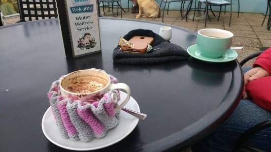 Tea on the Green: Hot chocolate with a cosy!