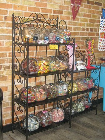 Camden, SC: Candies available