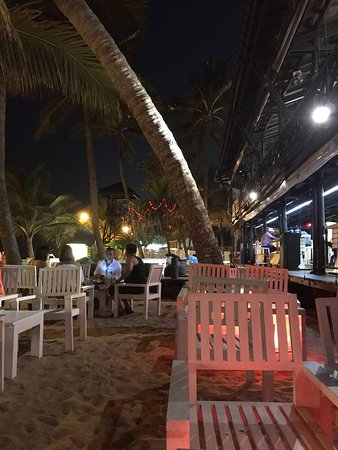 The Shore By O!: One of the mostly preferred place in mountlevenia . Nice environment nice music and nice food. T