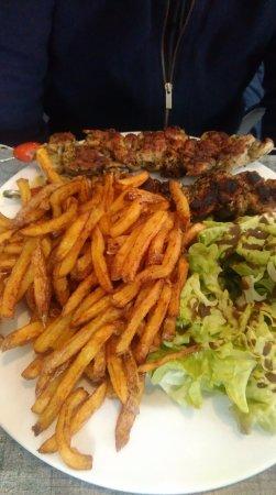 Le Verdon Sur Mer, France: brochette d'araignée de porc