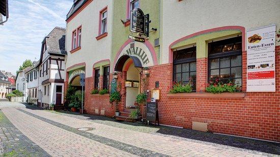 Walluf, Tyskland: Außenansicht