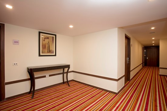 Hotel Southern Star Bangalore: Floor Corridors