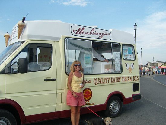 Appledore, UK: The Hockings van at Westward Ho!