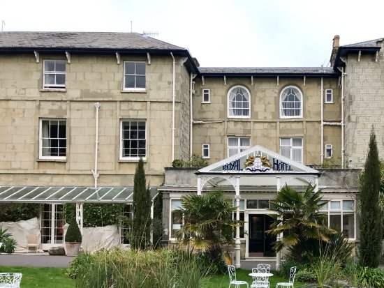 The Royal Hotel: Hotel front