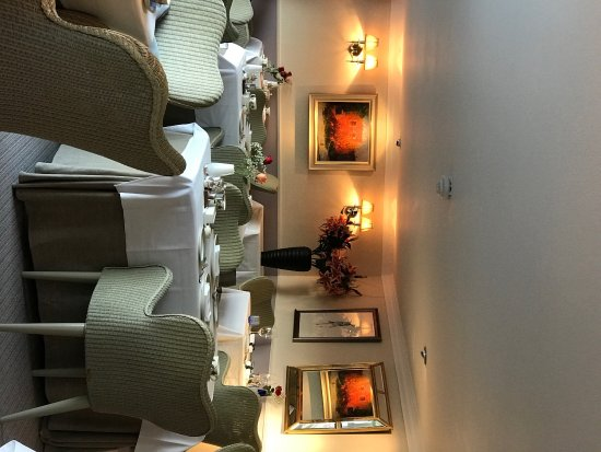 Port Appin, UK: The beautifully relaxing Dining Room at Airds Hotel and  Restaurant