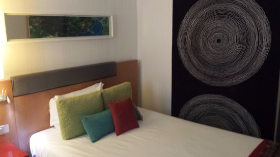 Novotel Roma Eur: queen size bed