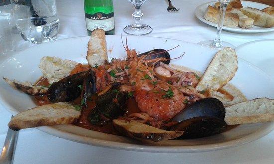 """Poggio a Caiano, Italia: caciucco alla """" vecchio poggio"""" piatto consigliato dallo chef"""