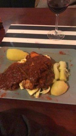 Comme a la Maison Cote Sud: Longe de porc (présentation du plat...)