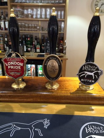 Wantage, UK: Great selection of well kept and frequently changing ales