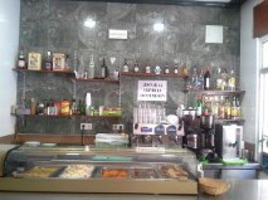 Restaurante bar salamanca en m laga con cocina otras for Cocinas malaga precios