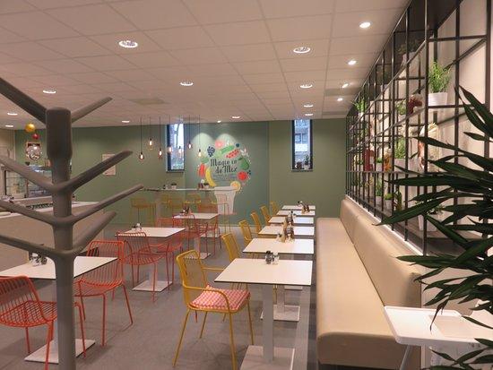 Interieur met Wandrek mijn Brasserie - Foto van Mijn Brasserie ...