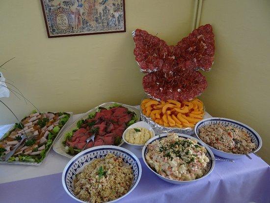 Noisy-le-Grand, Francia: buffet