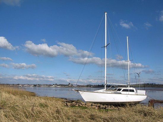 Exmouth, UK: The sun is shining and the Exe looks beautiful.